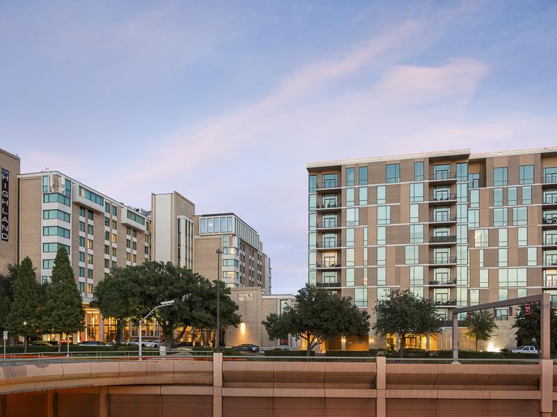 Condominio por un Venta en Luxury Hi Rise 5656 N. Central Expressway #102 Dallas, Texas 75206 Estados Unidos
