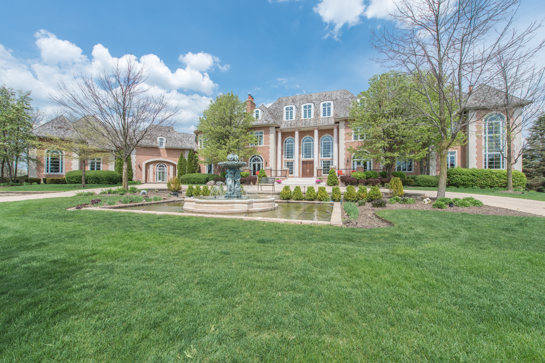 Maison unifamiliale pour l Vente à 10 Star Lane South Barrington, Illinois 60010 États-Unis