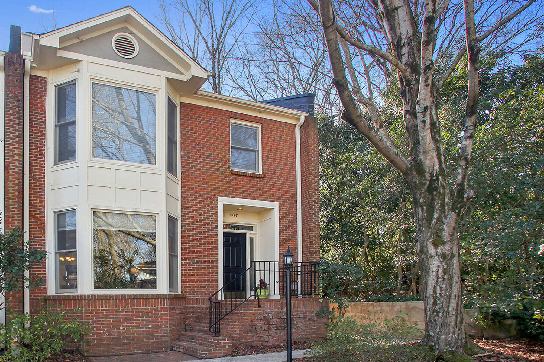 多棟聯建住宅 為 出售 在 Unique Renovated Townhome In Prime Location 1067 High Point Drive NE Atlanta, 喬治亞州, 30306 美國