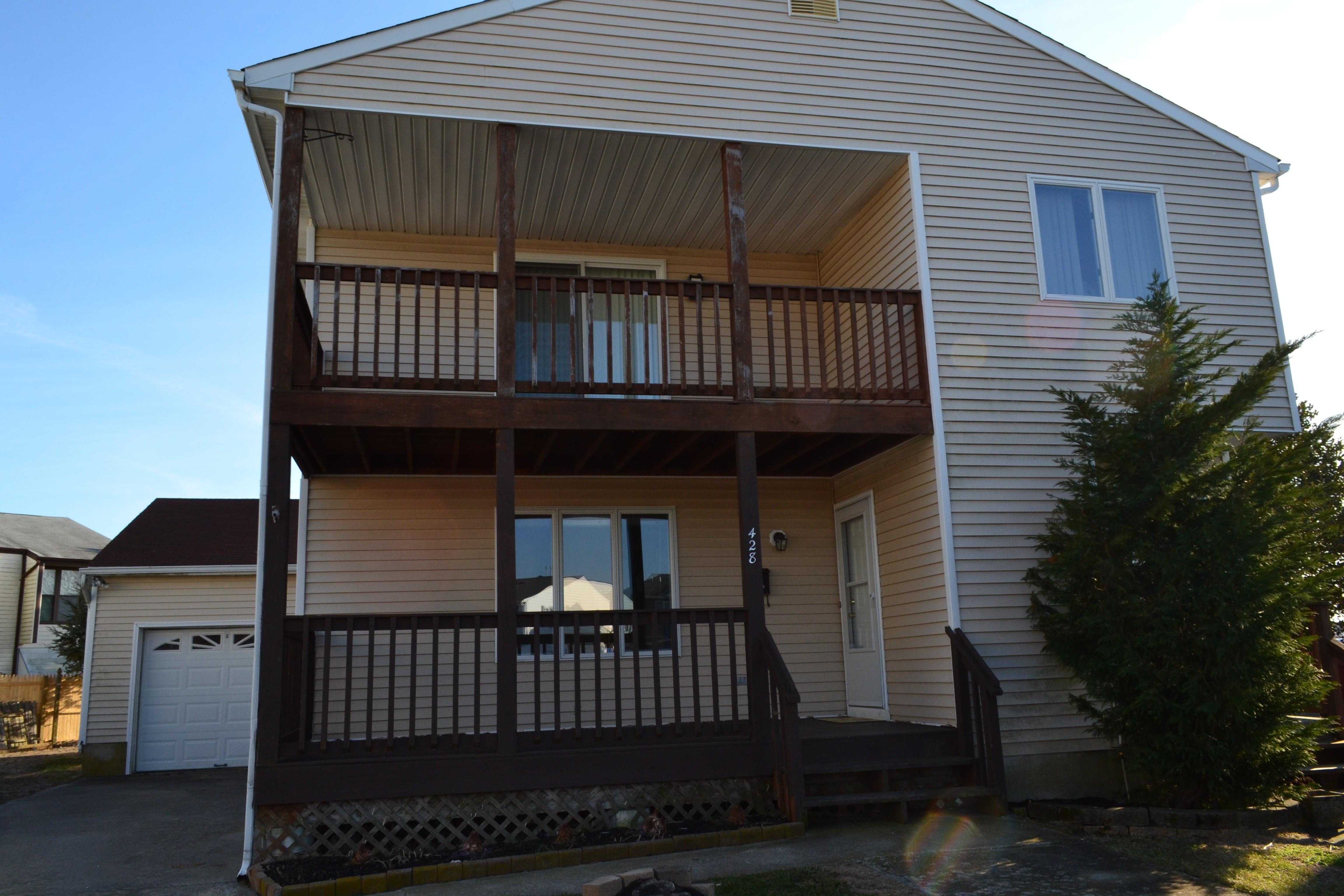 sales property at 428 Canterbury ct #A