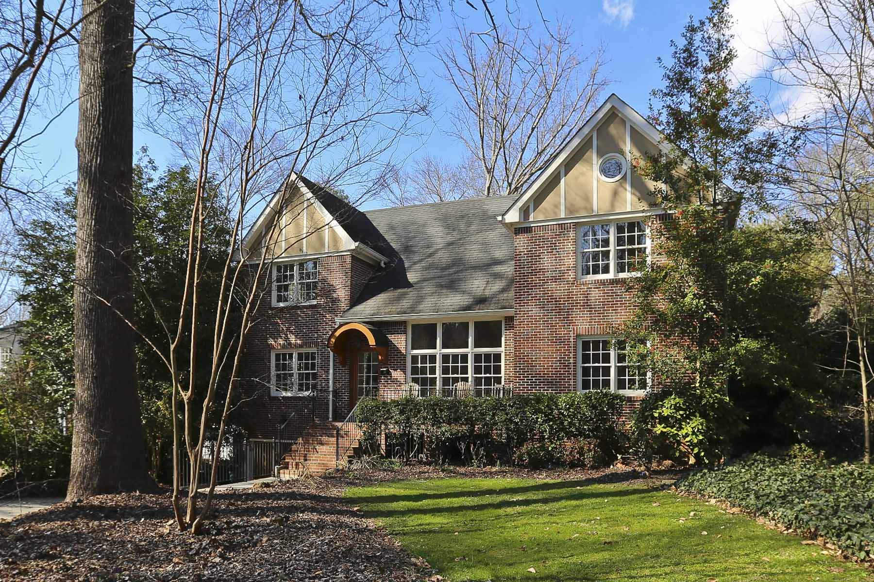 獨棟家庭住宅 為 出售 在 Druid Hills Classic 900 Clifton Road NE Druid Hills, Atlanta, 喬治亞州, 30307 美國