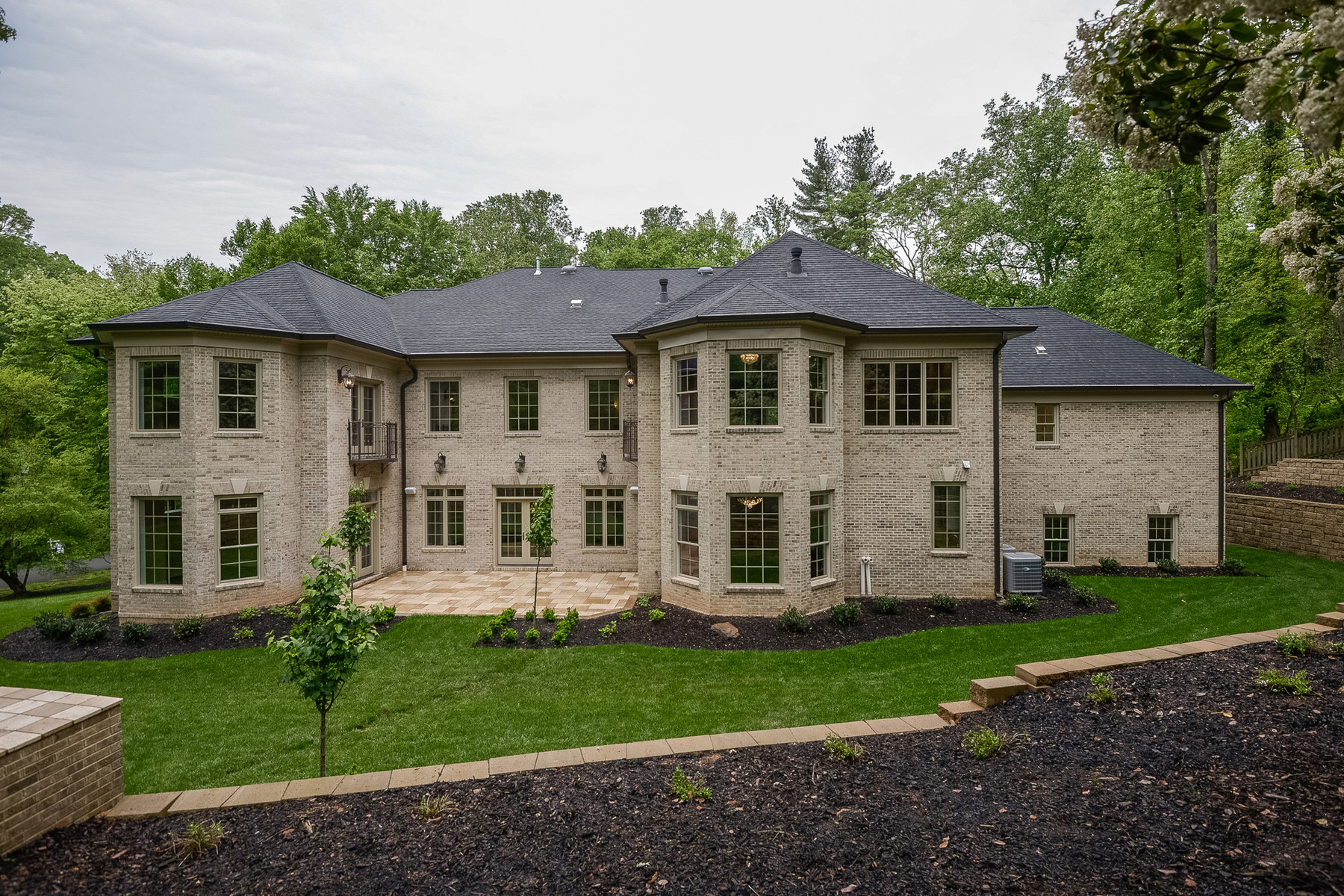 Additional photo for property listing at 6700 Lupine Lane, Mclean 6700 Lupine Ln McLean, Virginia 22101 Verenigde Staten