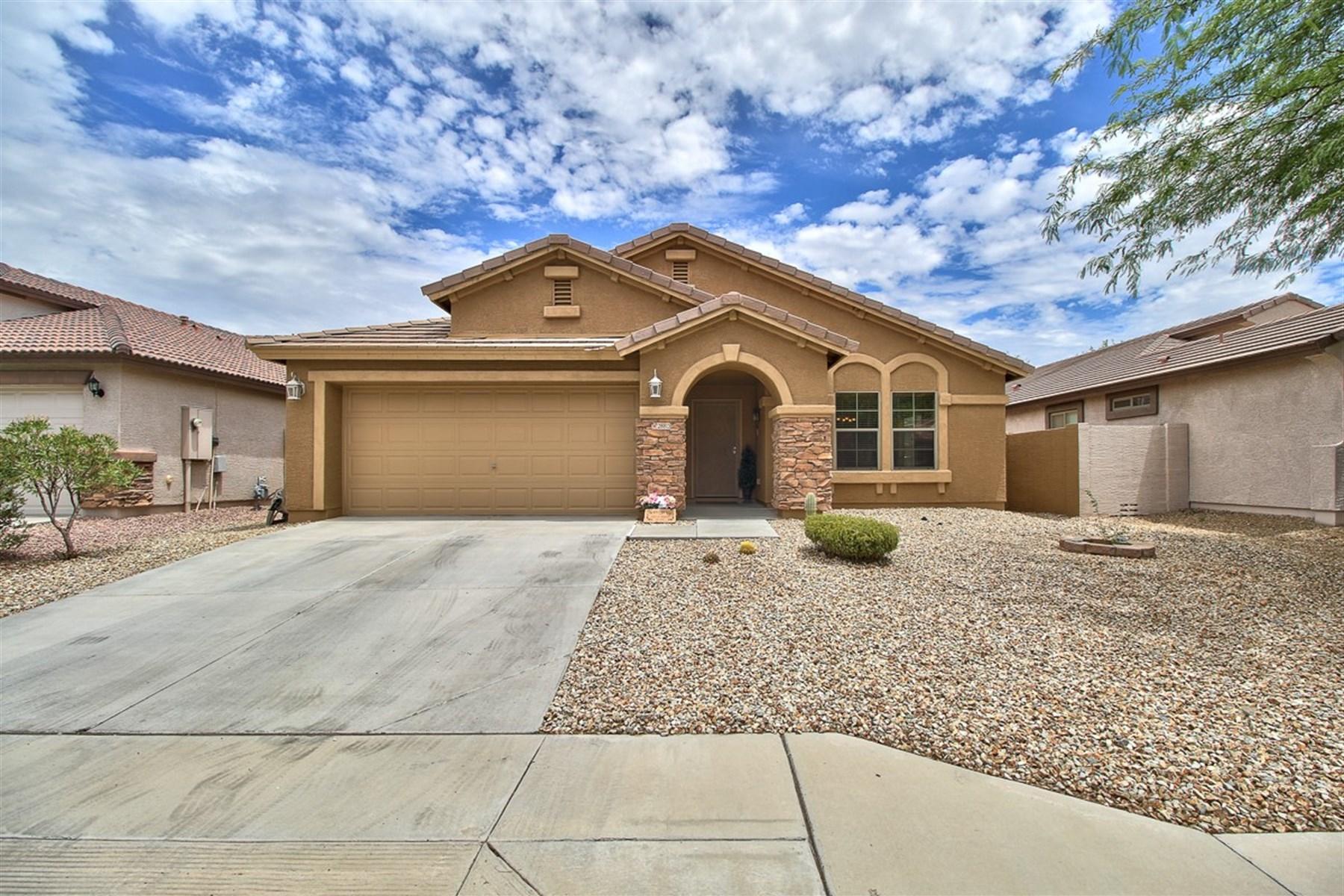 Частный односемейный дом для того Продажа на Beautiful home in North Gateway. 28815 N 23RD DR Phoenix, Аризона 85085 Соединенные Штаты