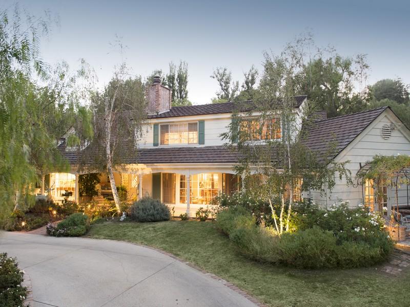 独户住宅 为 销售 在 24350 Long Valley Road 24350 Bridle Trail Rd. Hidden Hills, 加利福尼亚州 91302 美国