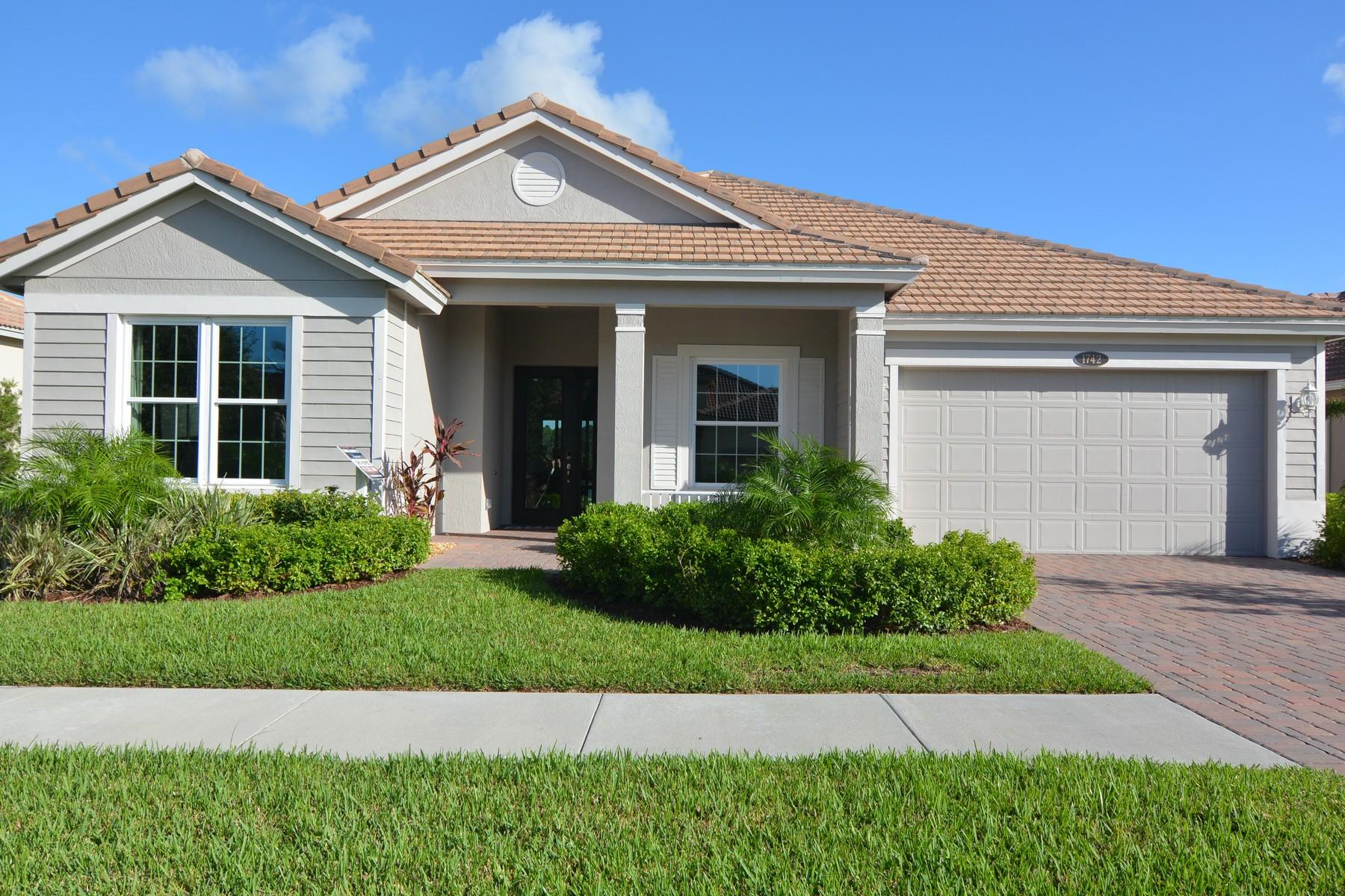 Maison unifamiliale pour l Vente à Outstanding Home in Millstone Landing 1742 Belmont Circle Vero Beach, Florida, 32968 États-Unis