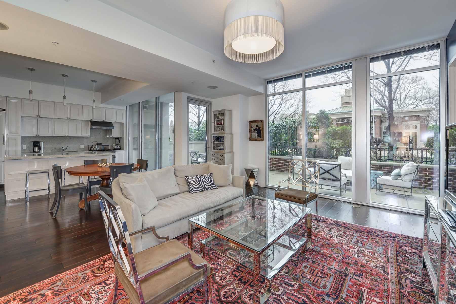 Nhà chung cư vì Bán tại Gorgeous Brookwood Condo 1820 Peachtree Street NW #309 Atlanta, Georgia 30309 Hoa Kỳ