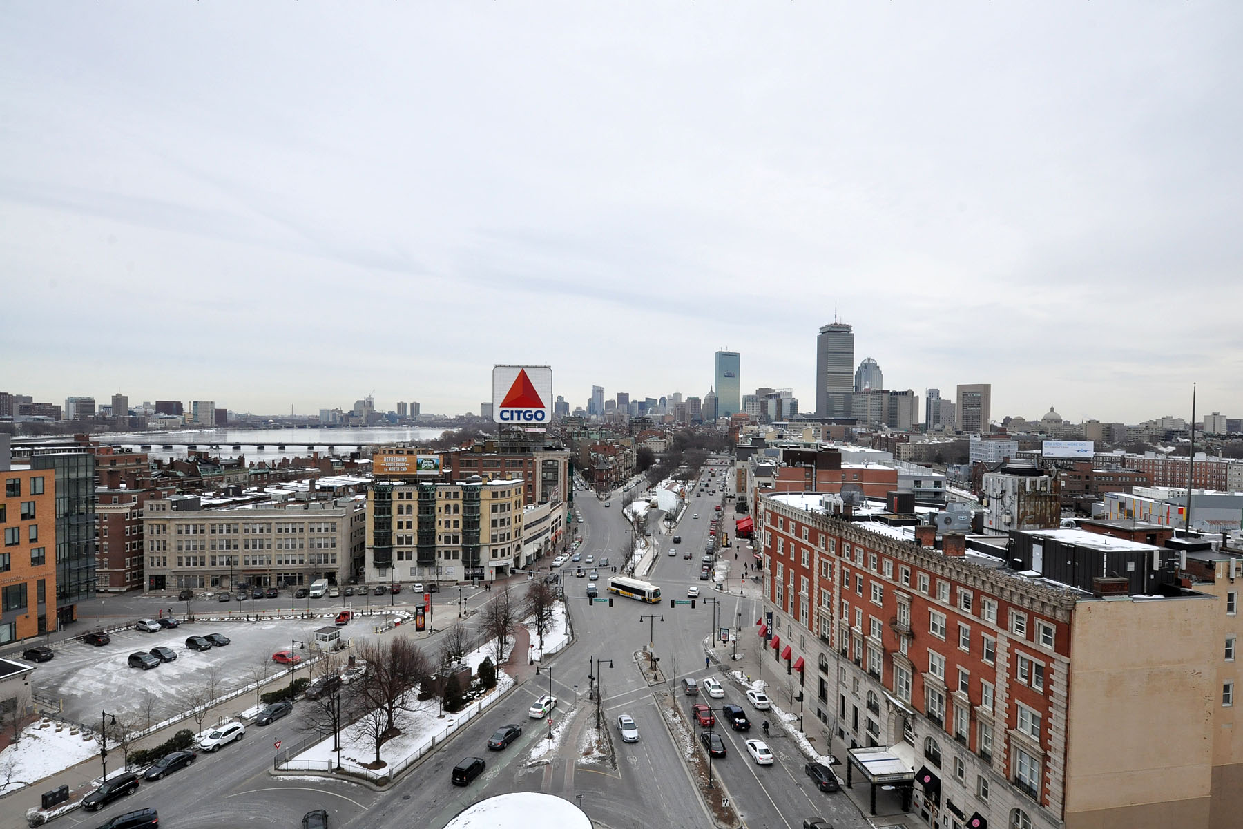 코압 용 매매 에 Rarely Available Kenmore Penthouse 566 Commonwealth Ave. Unit PH2 Boston, 매사추세츠, 02215 미국