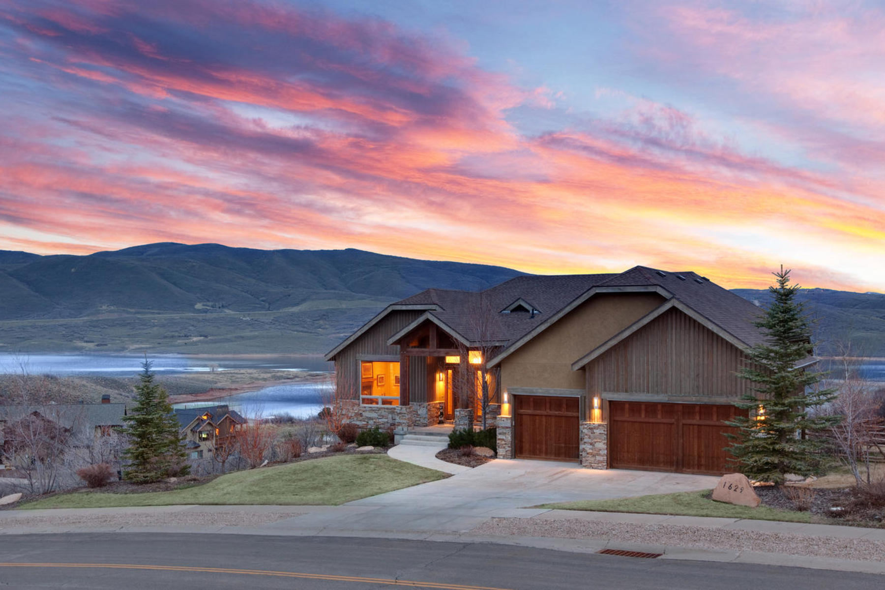 Single Family Home for Sale at Extraordinary Jordanelle Views! 1629 Alpine Ave Heber City, Utah 84032 United States
