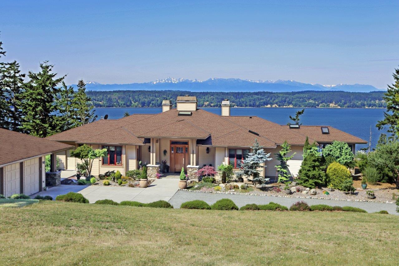 Nhà ở một gia đình vì Bán tại The Sanctuary 3952 Country Lane Camano Island, Washington 98282 Hoa Kỳ