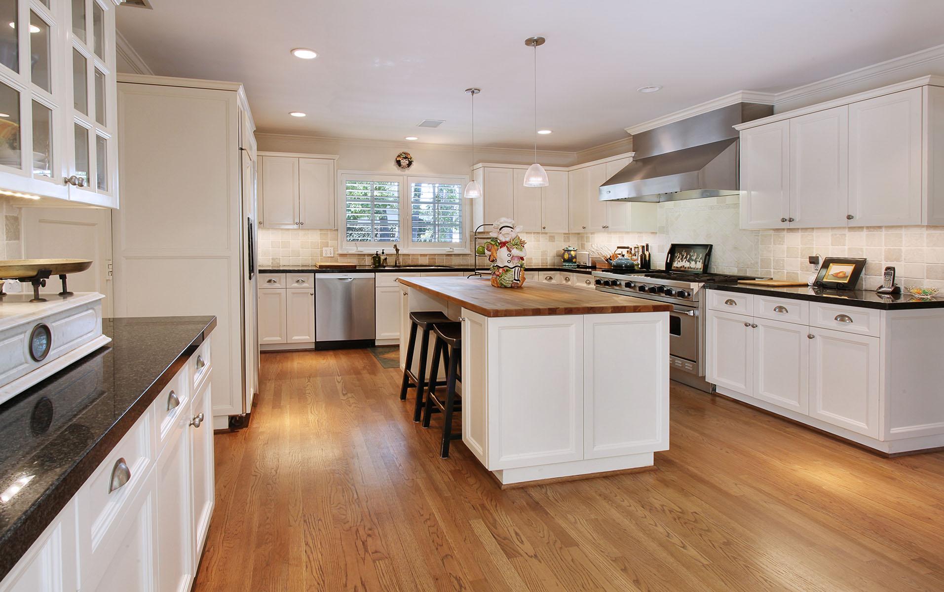 Einfamilienhaus für Verkauf beim 130 Emerald Bay Laguna Beach, Kalifornien 92651 Vereinigte Staaten