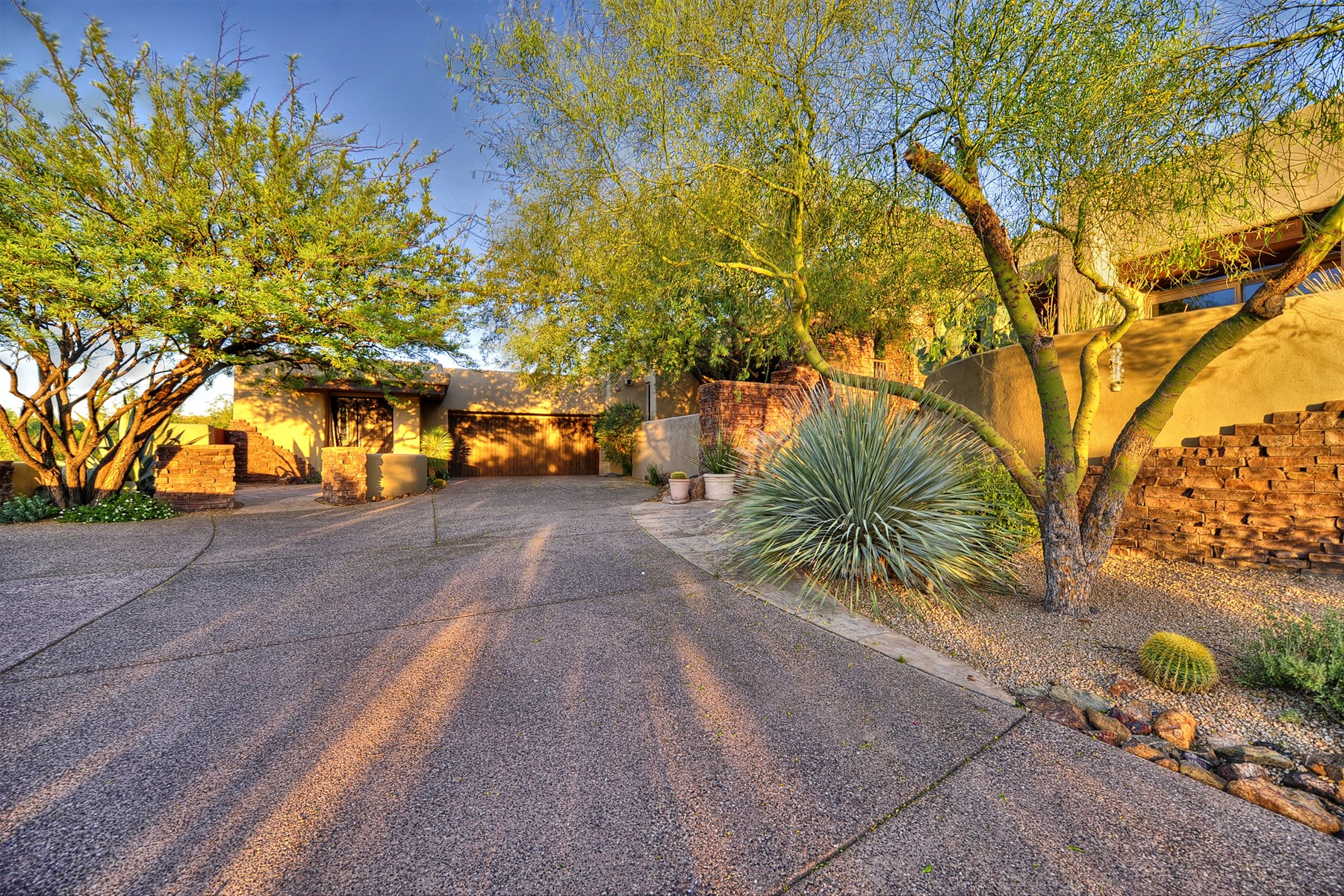 Single Family Home for Sale at Custom Territorial on Apache Golf Course in Desert Mountain 11343 E Apache Vistas Drive Scottsdale, Arizona 85262 United States