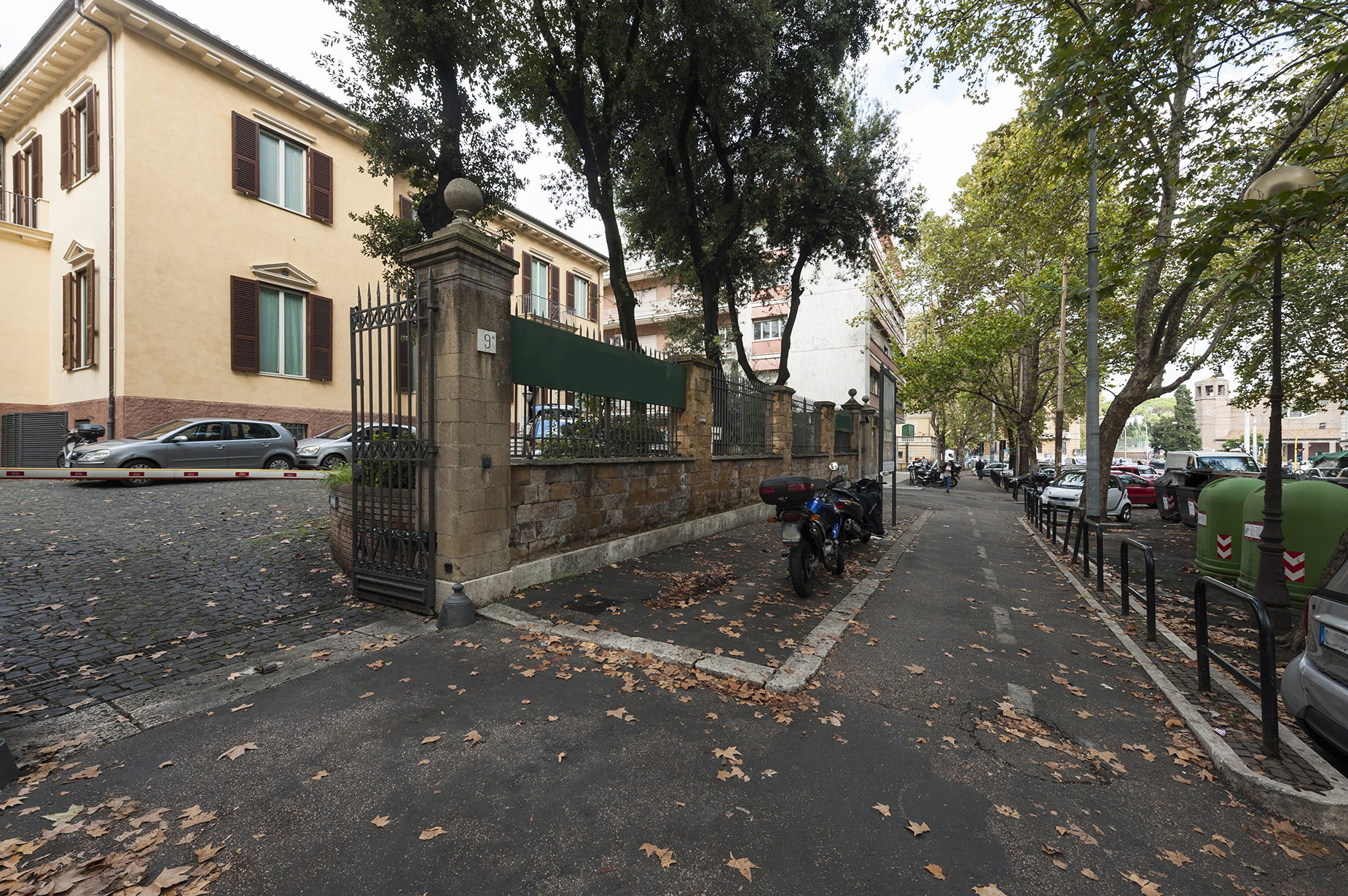 Additional photo for property listing at Prestigious period house with private parking Viale Gioacchino Rossini Rome, Rome 00197 Italy