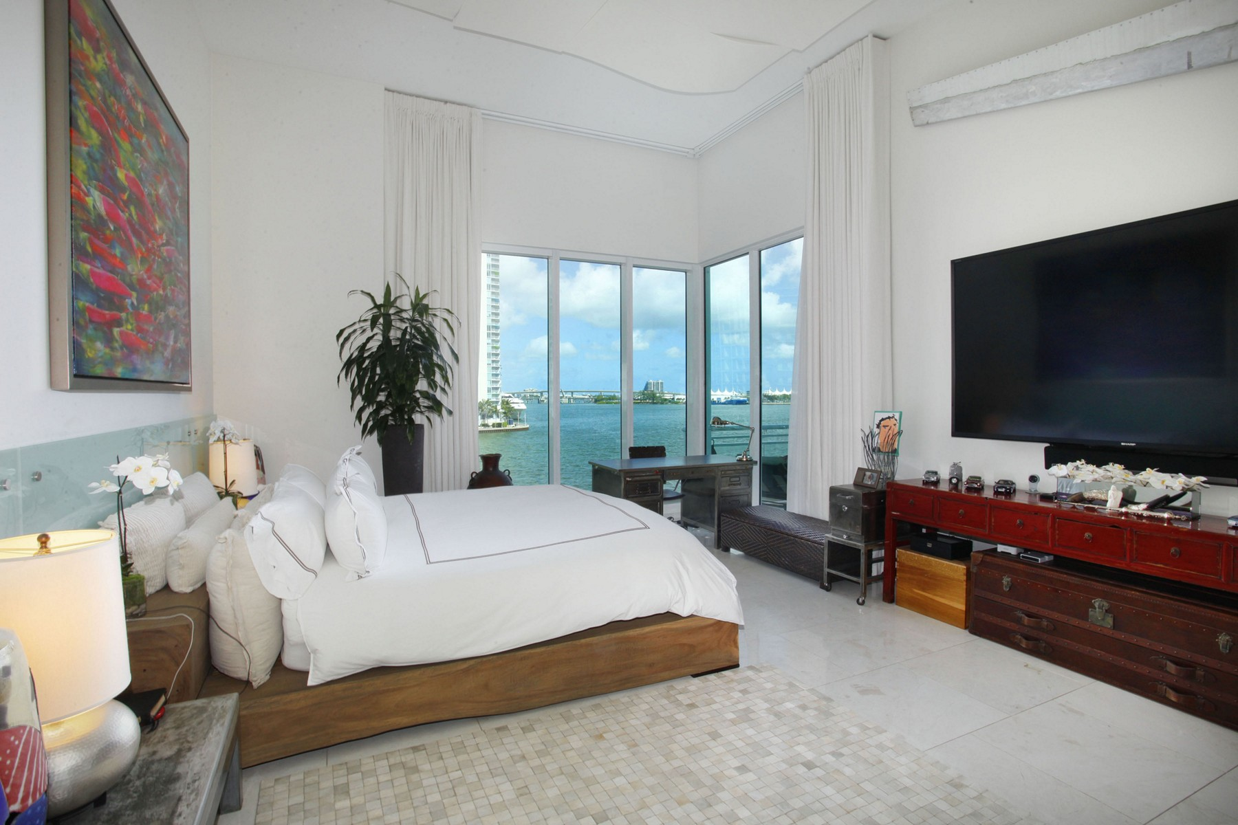 Property For Sale at 900 Brickell Key BL #503