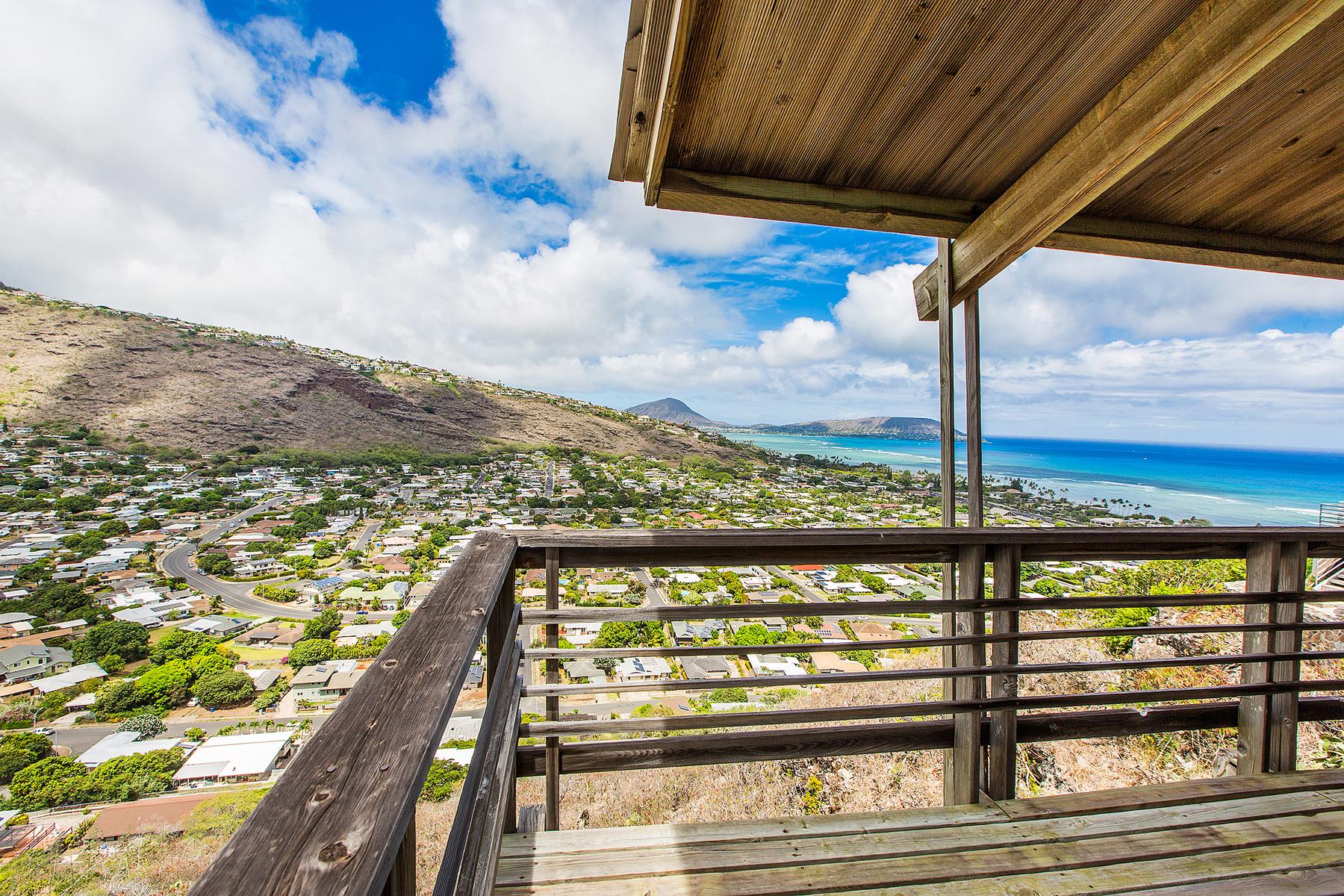 Maison unifamiliale pour l Vente à Breathtaking Charm 5283 Poola Street Honolulu, Hawaii 96821 États-Unis
