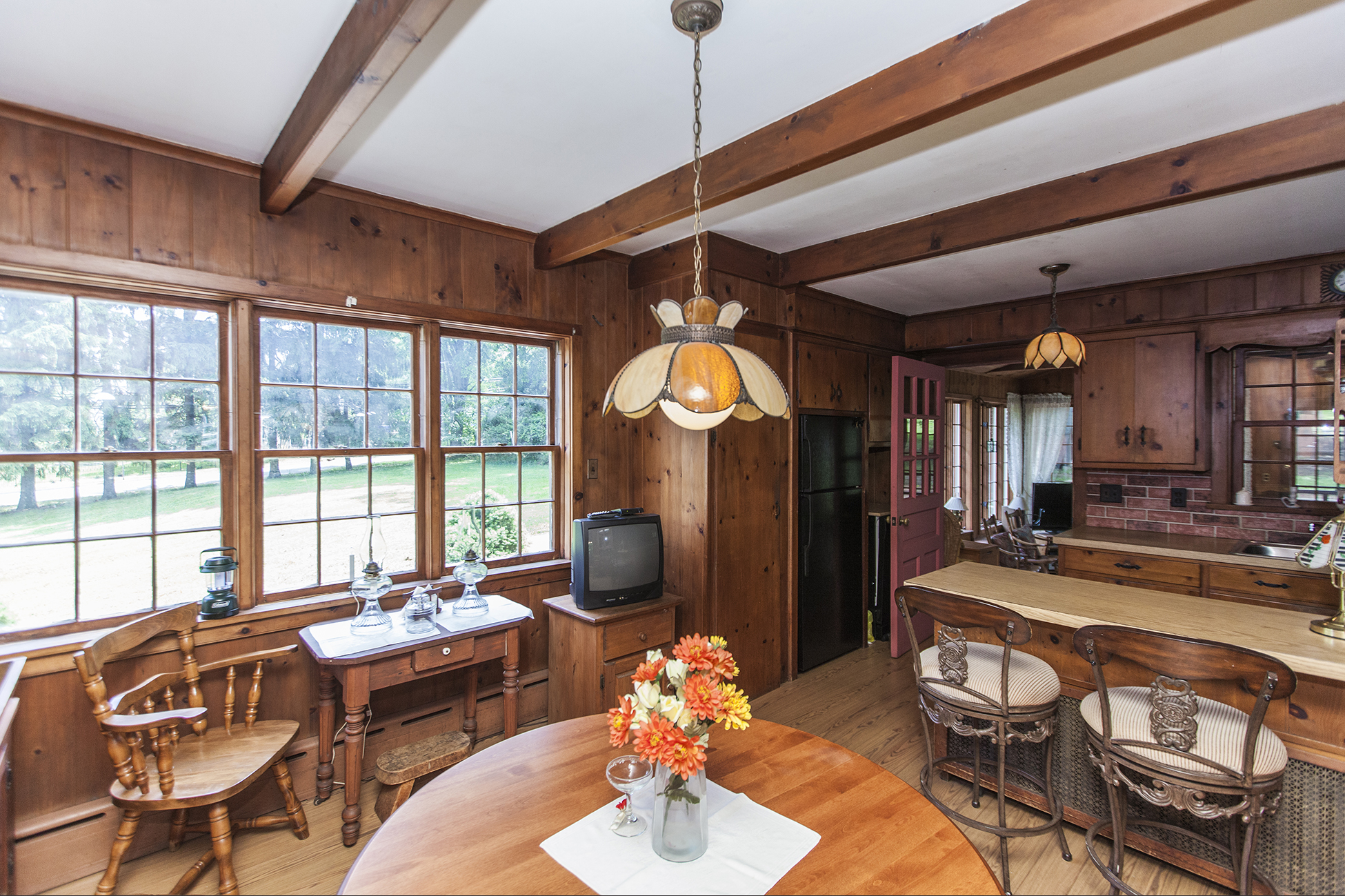 Additional photo for property listing at Charming, Steeply Gabled Home 33 Lincoln Avenue Lambertville, New Jersey 08530 États-Unis