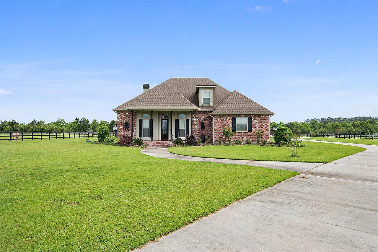Частный односемейный дом для того Продажа на 28215 Bigsky Ln 28215 Big Sky Ln Folsom, Луизиана, 70437 Соединенные Штаты