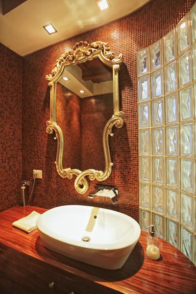 Additional photo for property listing at Particolare attico recentemente restaurato via Mercato Milano, Milano 20121 Italia