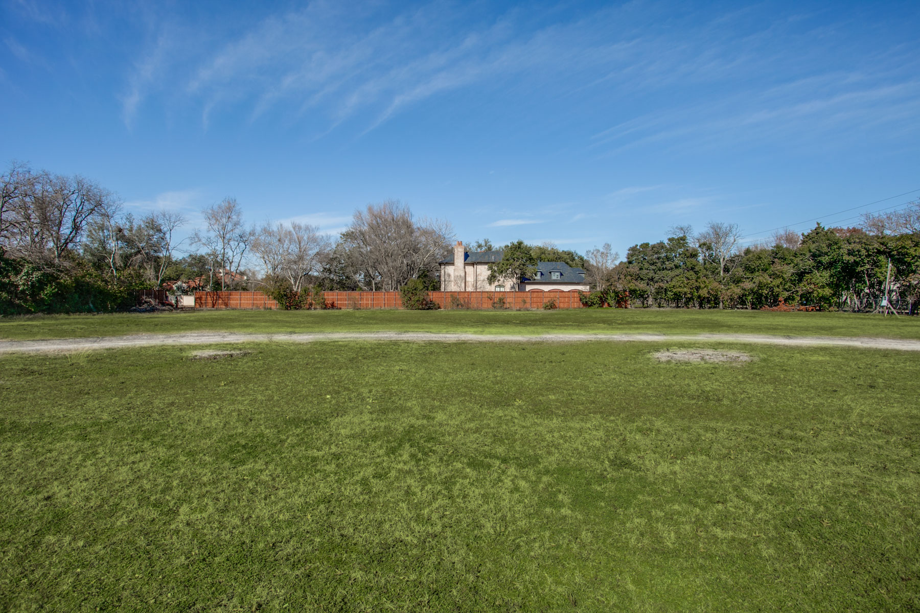 獨棟家庭住宅 為 出售 在 Exceptional Old Preston Hollow Building Site 5433 Deloache Avenue Dallas, 德克薩斯州, 75220 美國
