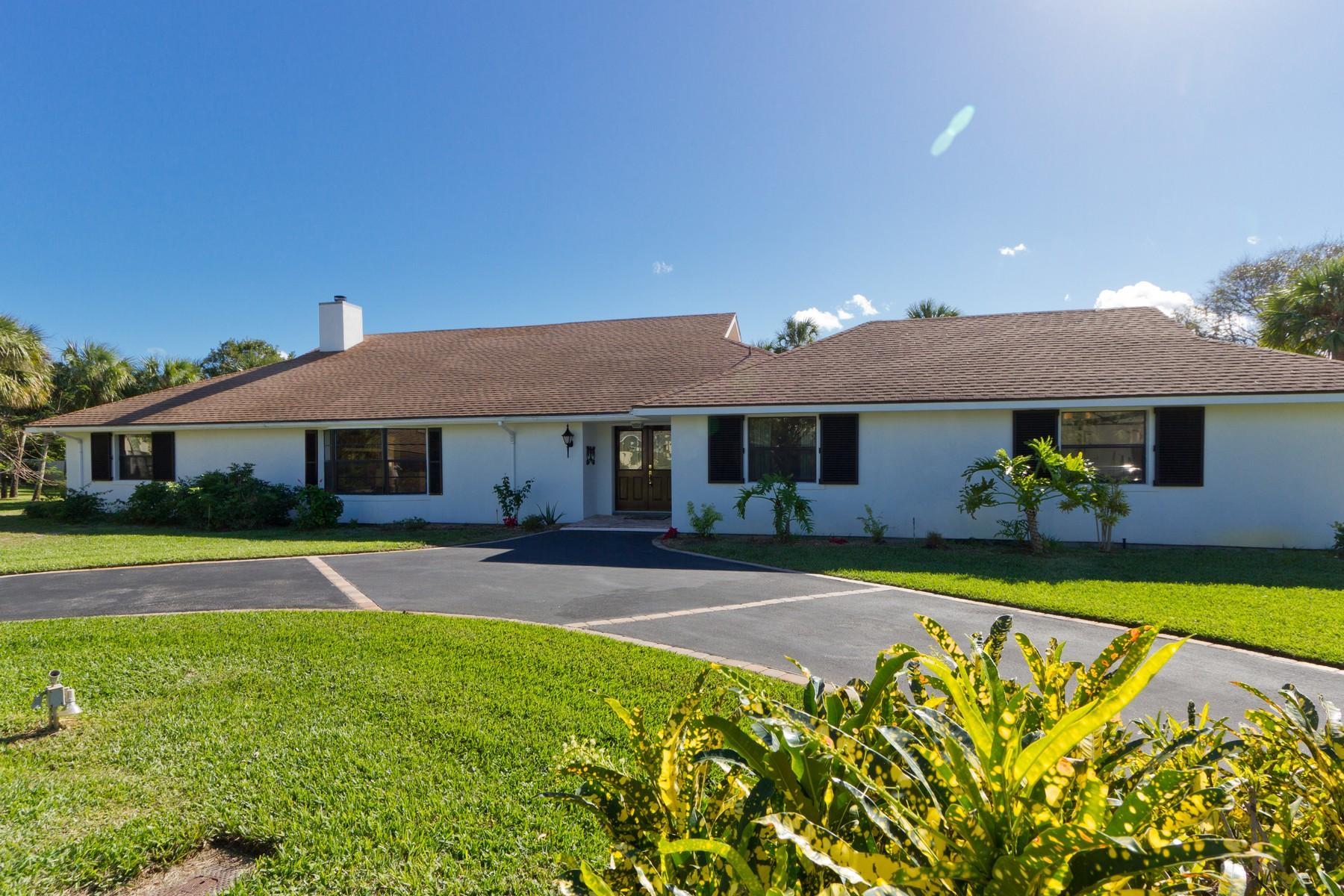 단독 가정 주택 용 매매 에 East of A1A only 75 yards to the beach! 935 Beachcomber Lane Vero Beach, 플로리다, 32963 미국