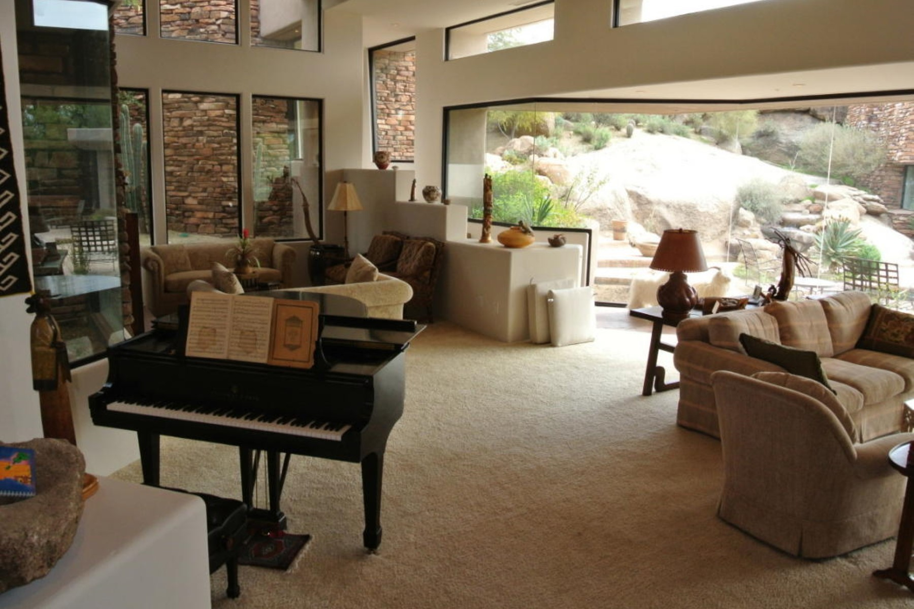 Property Of Fabulous Private Retreat in The Boulders