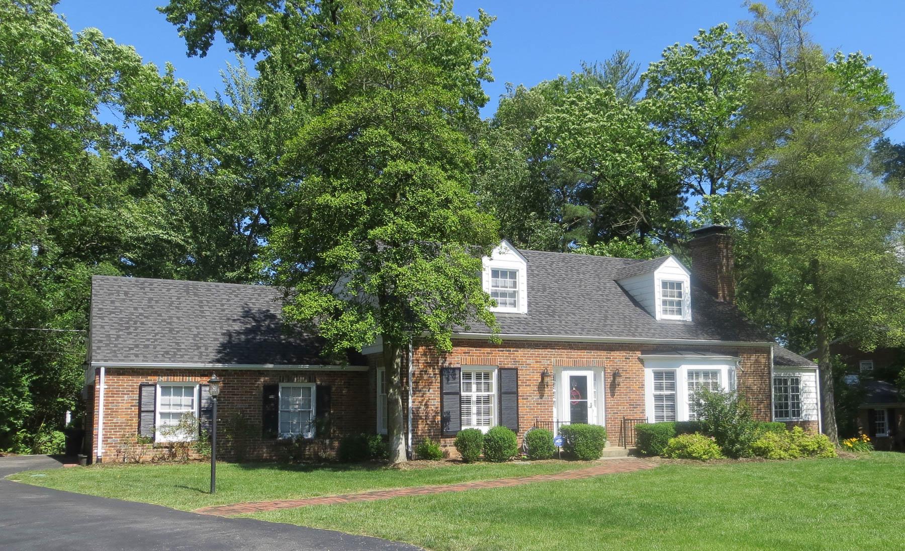 独户住宅 为 销售 在 Berkley Lane 4 Berkley Lane Ladue, 密苏里州, 63124 美国