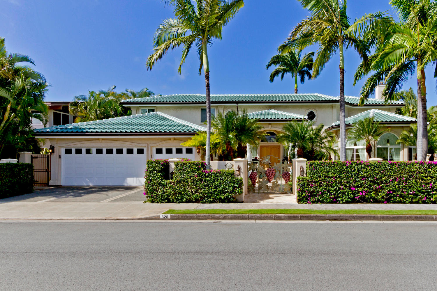 Property For Sale at Classic Kahala