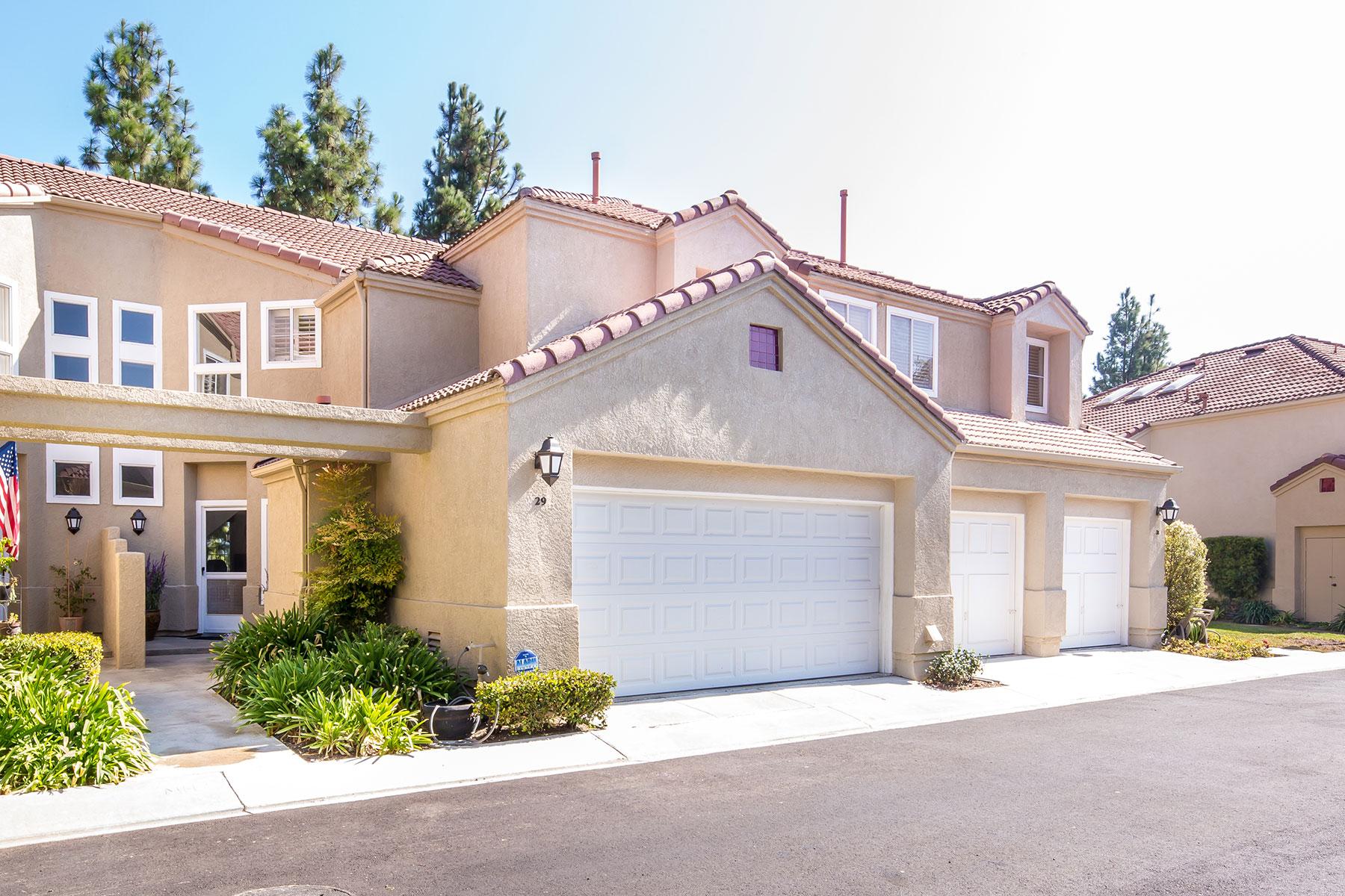 联栋屋 为 销售 在 29 Giotto Aliso Viejo, 加利福尼亚州 92656 美国