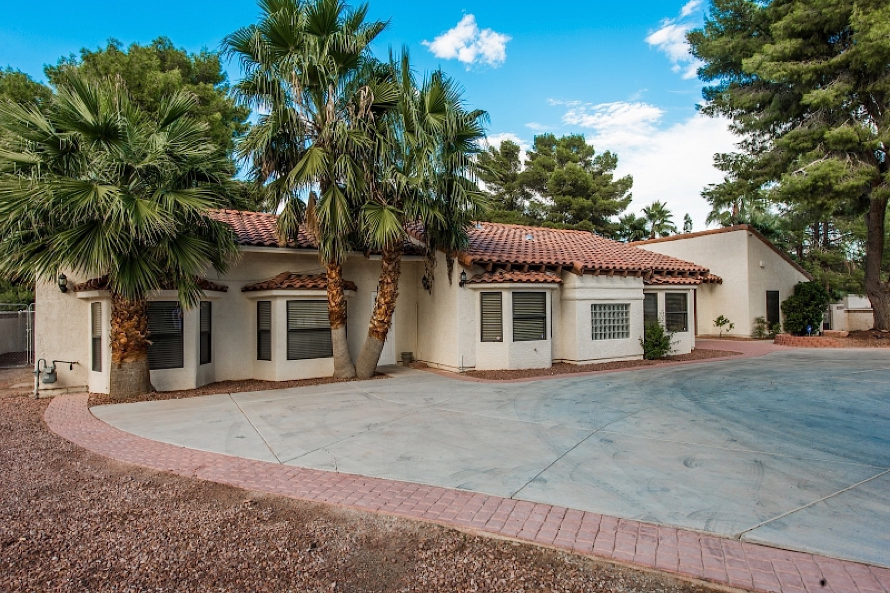 Single Family Home for Sale at 4270 E Oquendo Rd Las Vegas, Nevada, 89120 United States