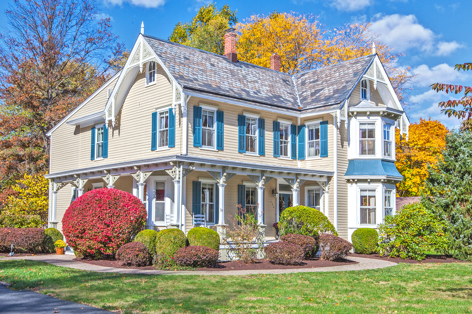 Casa Unifamiliar por un Venta en Renovated Victorian On Picturesque Grounds - West Windsor Township 134 South Mill Road Princeton Junction, Nueva Jersey, 08550 Estados Unidos
