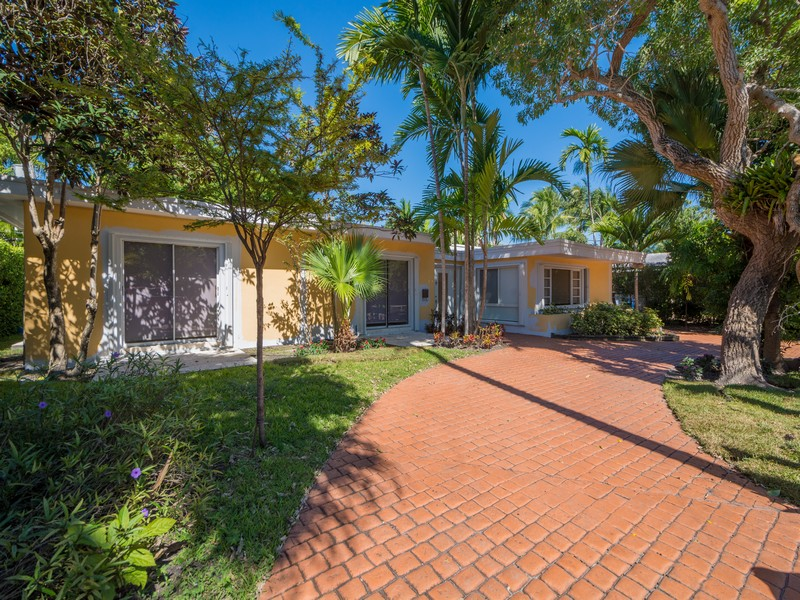 Property For Sale at Rropical Isle Homes