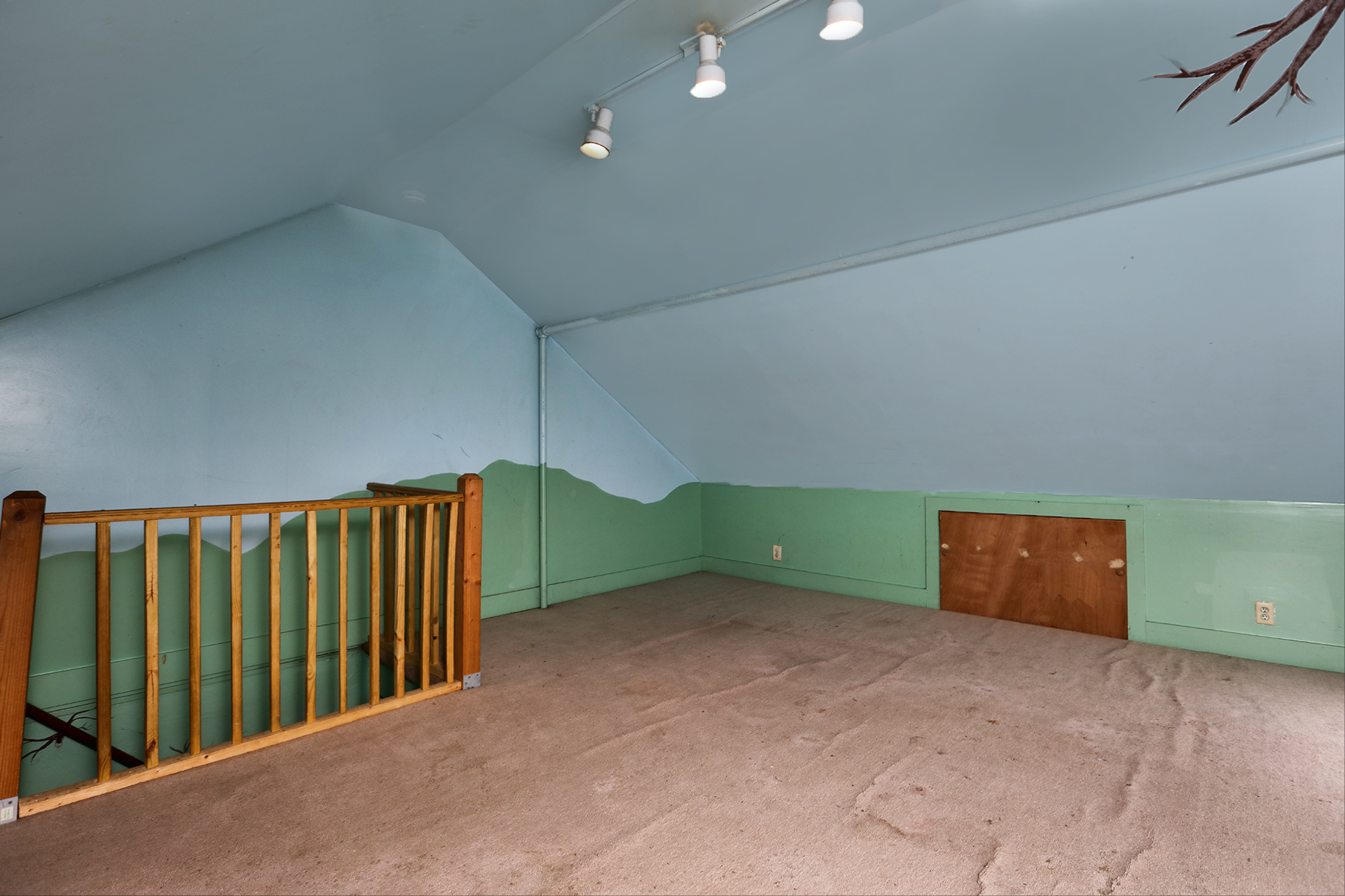 Additional photo for property listing at Off Street parking 38 Trenton Avenue Frenchtown, New Jersey 08825 États-Unis
