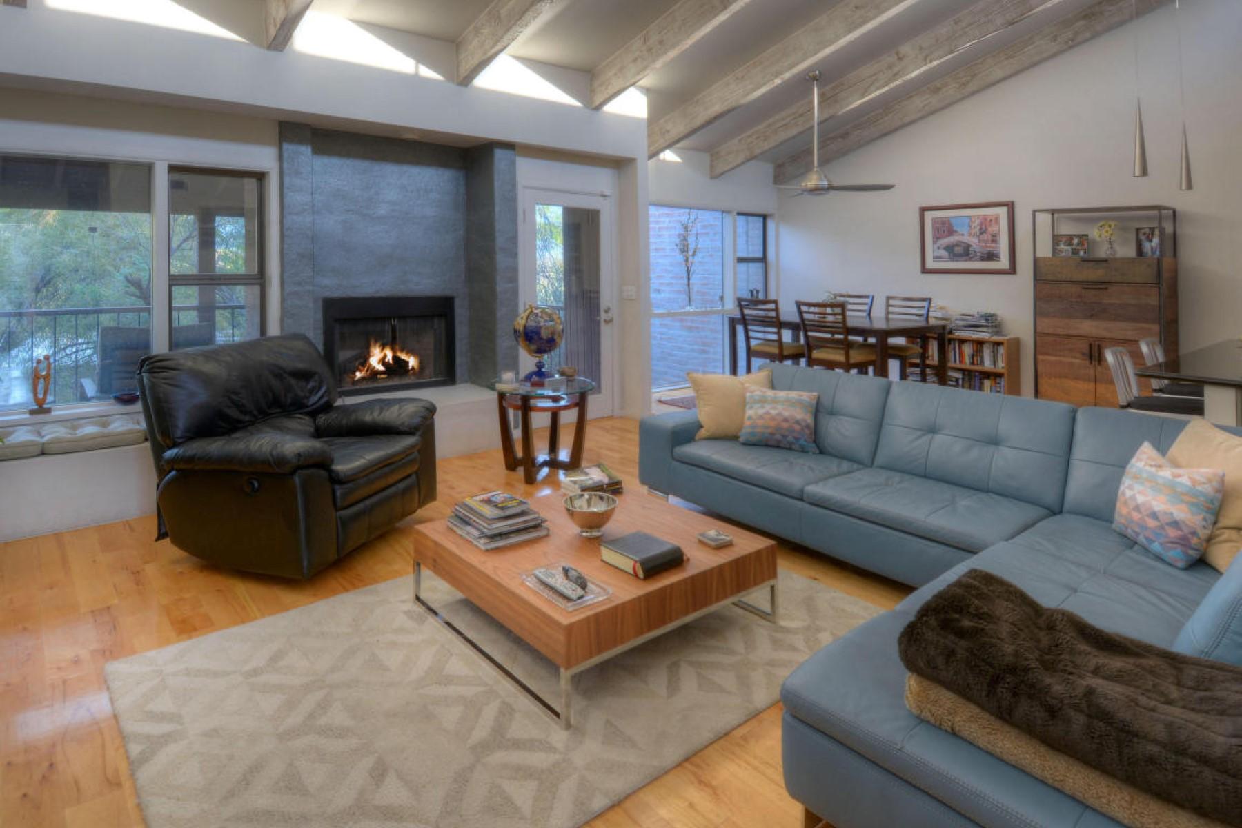 Частный односемейный дом для того Продажа на Stunning One-of-a-Kind Designer Perfect End Unit. 1948 E Campbell Terrace E Tucson, Аризона 85718 Соединенные Штаты