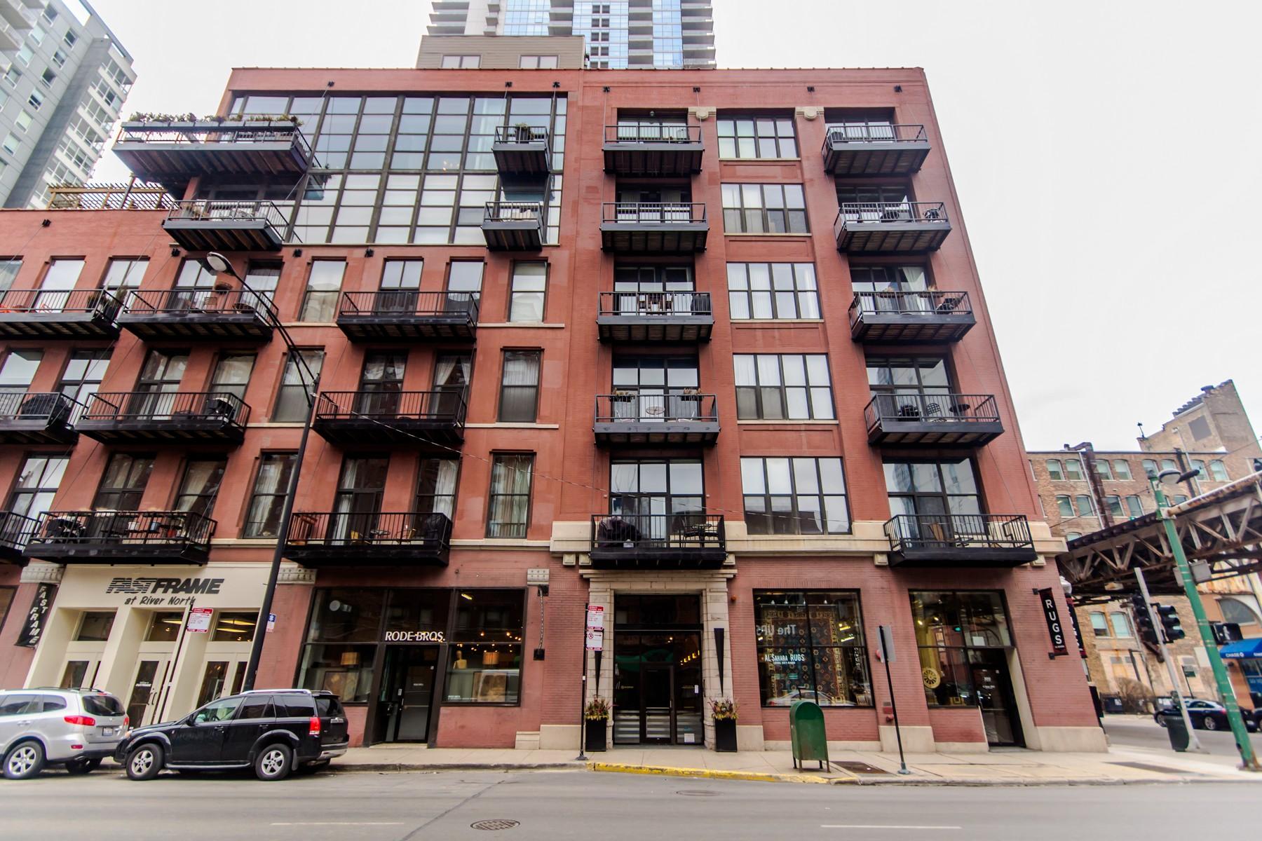 Condominium for Sale at Top Floor River North Loft! 300 W Grand Avenue Unit 603 Near North Side, Chicago, Illinois, 60654 United States