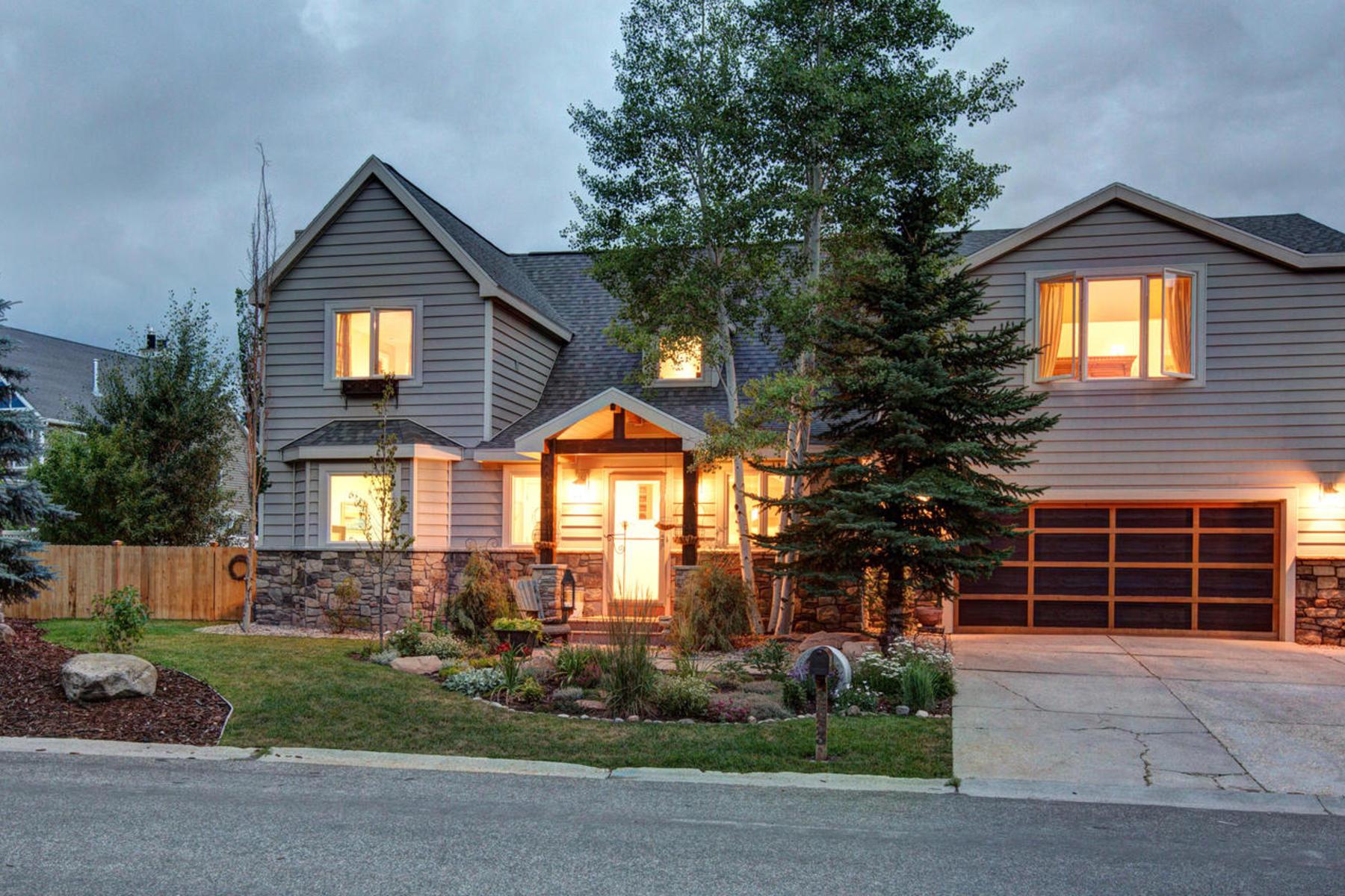 Maison unifamiliale pour l Vente à Gorgeous Remodel With In-Town Location 2533 Geronimo Ct Park City, Utah 84060 États-Unis