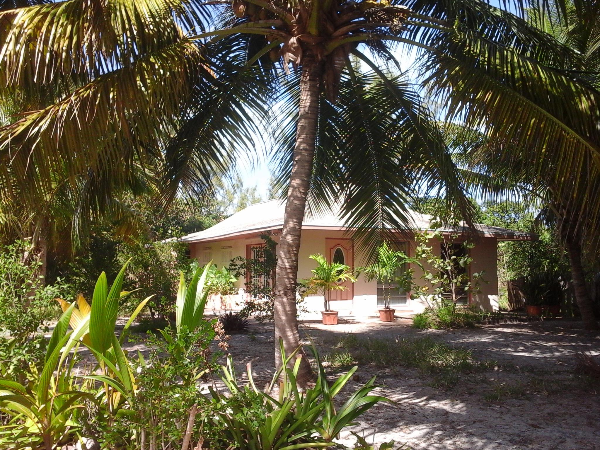 独户住宅 为 销售 在 Brigantine Bungalow Treasure Cay, 阿巴科, 巴哈马