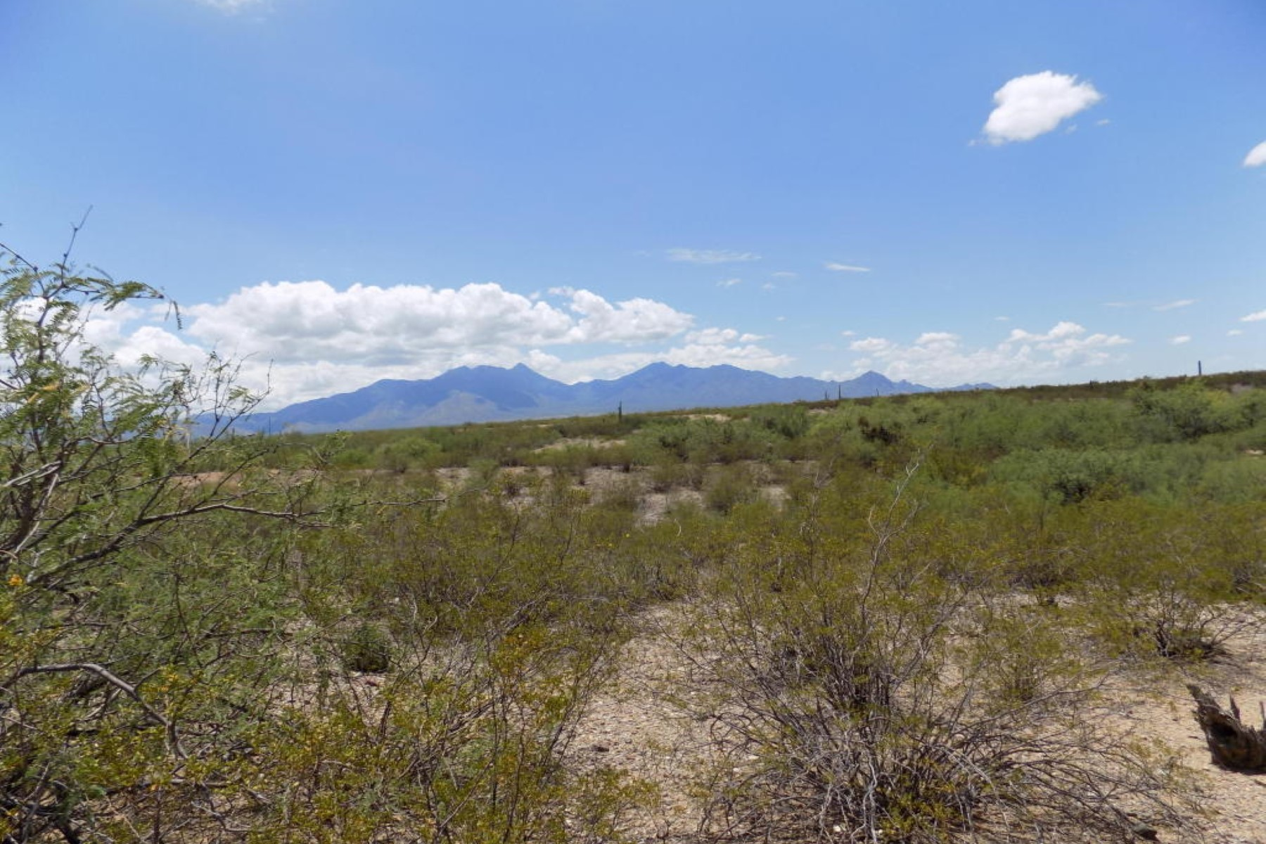 Land for Sale at Beautiful lot just inside the gated entrance of Stone House. 2084 E Old Stone House Tr Trail 59 Green Valley, Arizona 85614 United States
