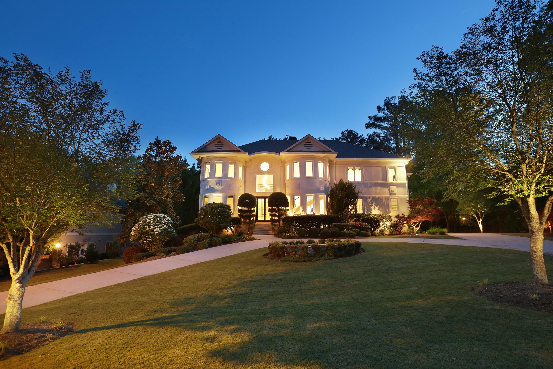 Maison unifamiliale pour l Vente à Ultimate Indoor-Outdoor Contemporary Living 85 Club Court Alpharetta, Georgia 30022 États-Unis