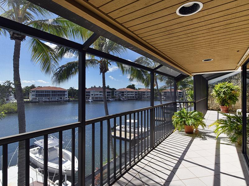 Nhà chung cư vì Bán tại Waterfront Condominium at Ocean Reef 34 Moorings, Unit B Ocean Reef Community, Key Largo, Florida 33037 Hoa Kỳ
