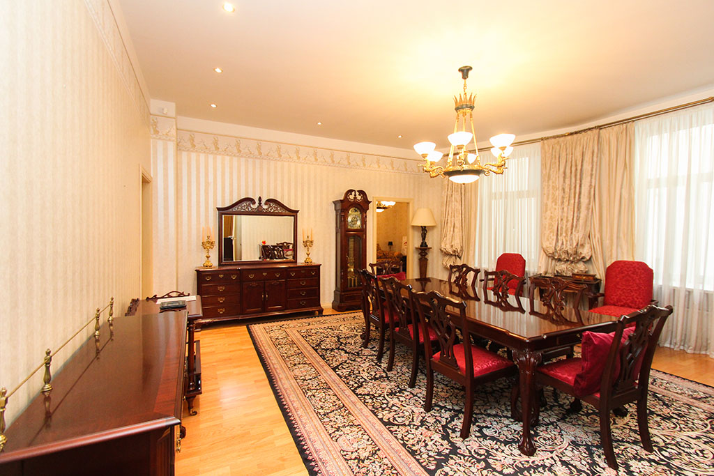 sales property at Spacious five room apartment in the Quiet centre of Riga