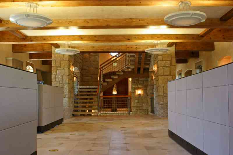 Additional photo for property listing at Beautiful Office Building In Ketchum  Ketchum, Idaho 83340 United States
