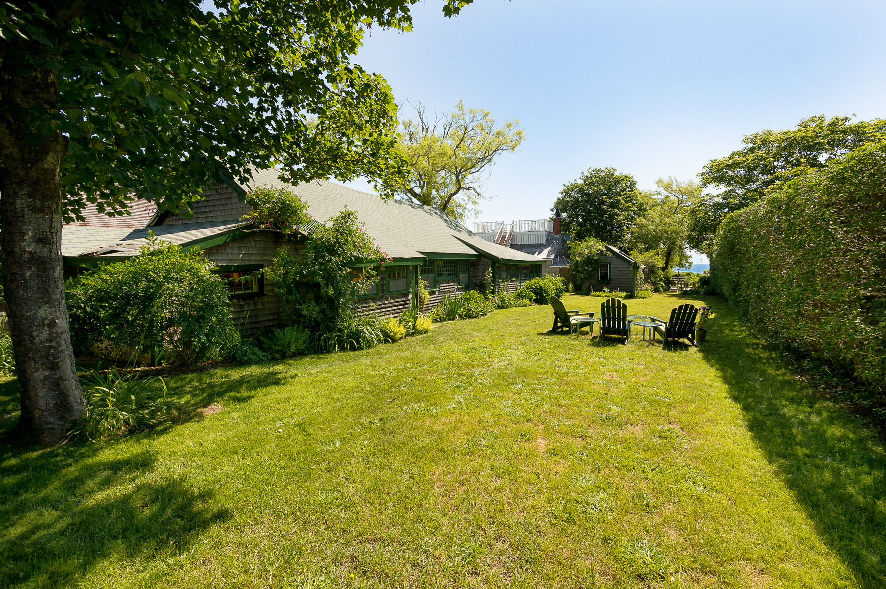 Villa per Vendita alle ore Sparkling Sea View 8 Grand Avenue Nantucket, Massachusetts, 02564 Stati Uniti