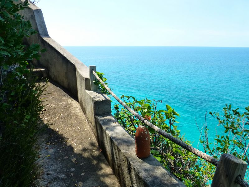 Additional photo for property listing at A Majestic View with Timeless Appeal Eleuthera Island Shores, Gregory Town, Eleuthera Bahamas