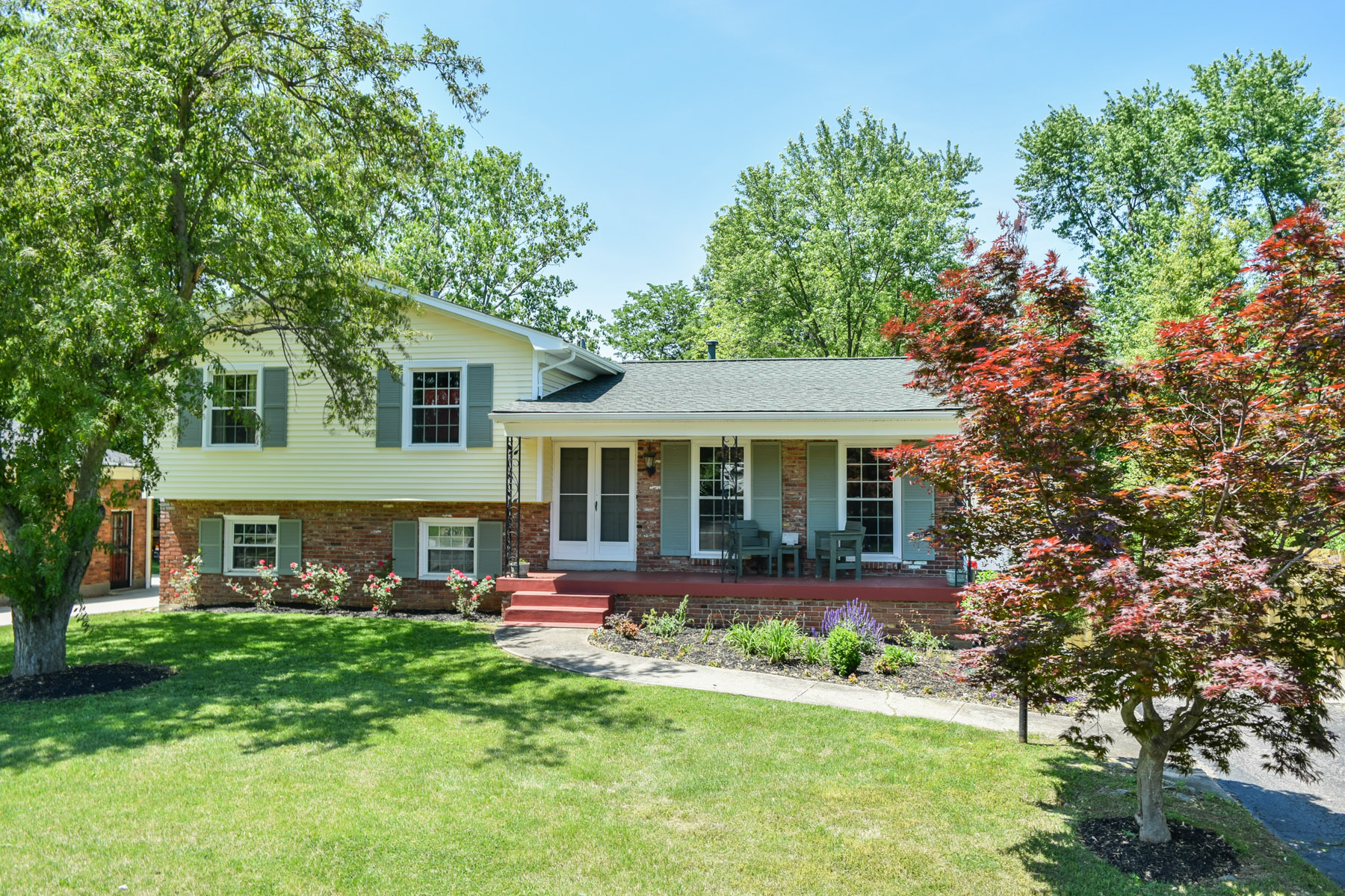 Single Family Home for Sale at 4000 Stonybrook Drive Louisville, Kentucky 40299 United States