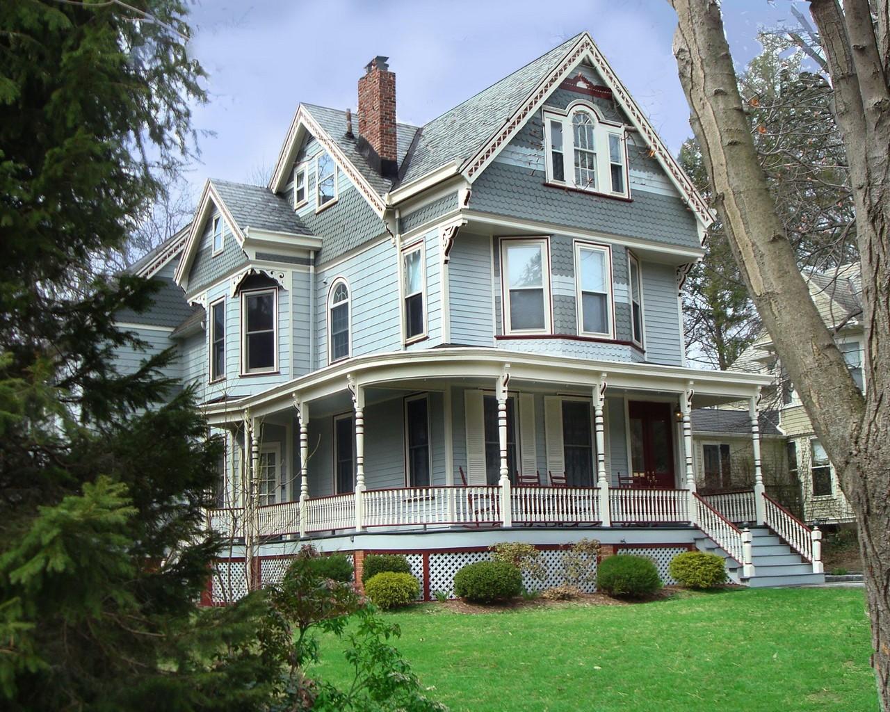 Casa Unifamiliar por un Venta en Renovated Storybook Victorian 74 Winsor Place Glen Ridge, Nueva Jersey, 07028 Estados Unidos