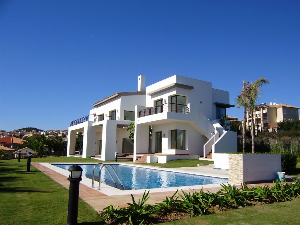 Casa Unifamiliar por un Venta en Superb Brand New villa with Fantastic Sea Views in La Alcaidesa 11300 Alcaidesa, Cadiz (Spain) Other Spain, Otras Áreas En España, 11310 España