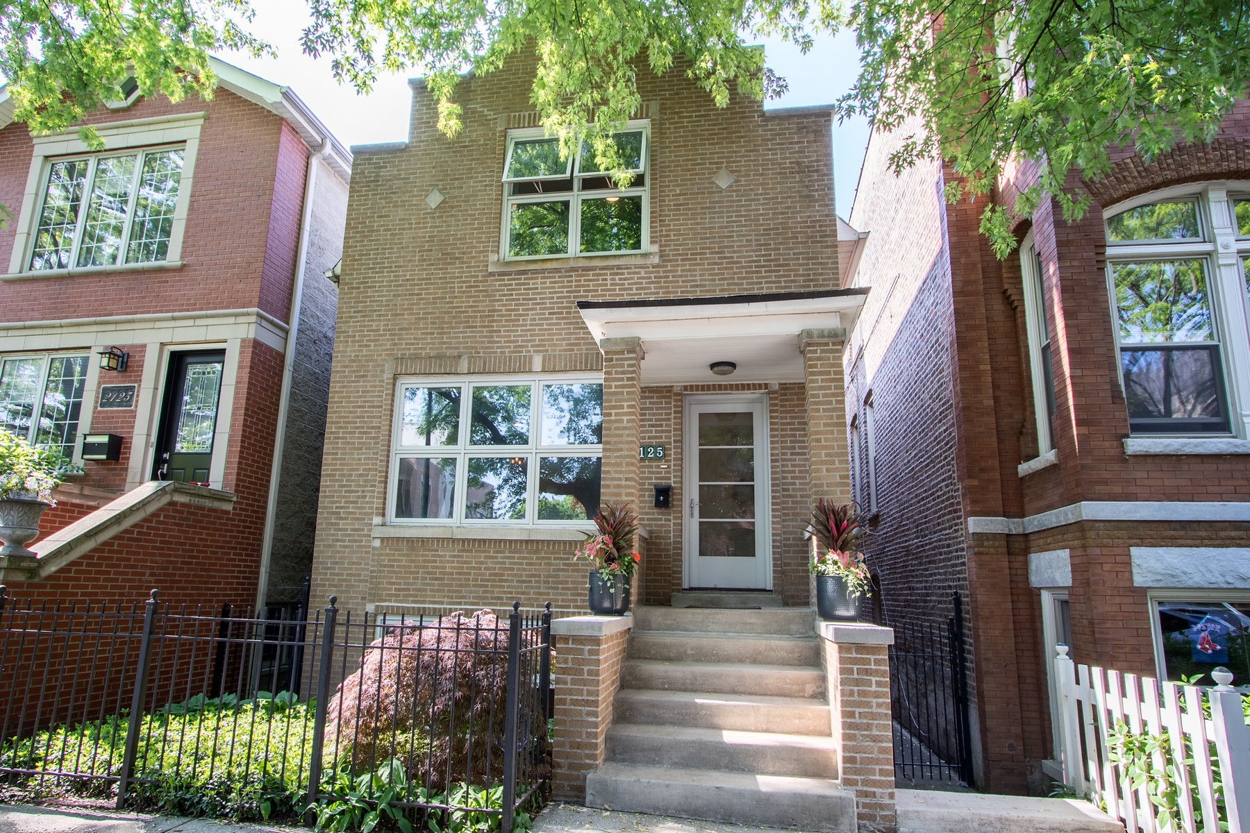 Single Family Home for Sale at Bright and Beautiful Brick Home in Bucktown 2125 W Moffat Street Logan Square, Chicago, Illinois, 60647 United States