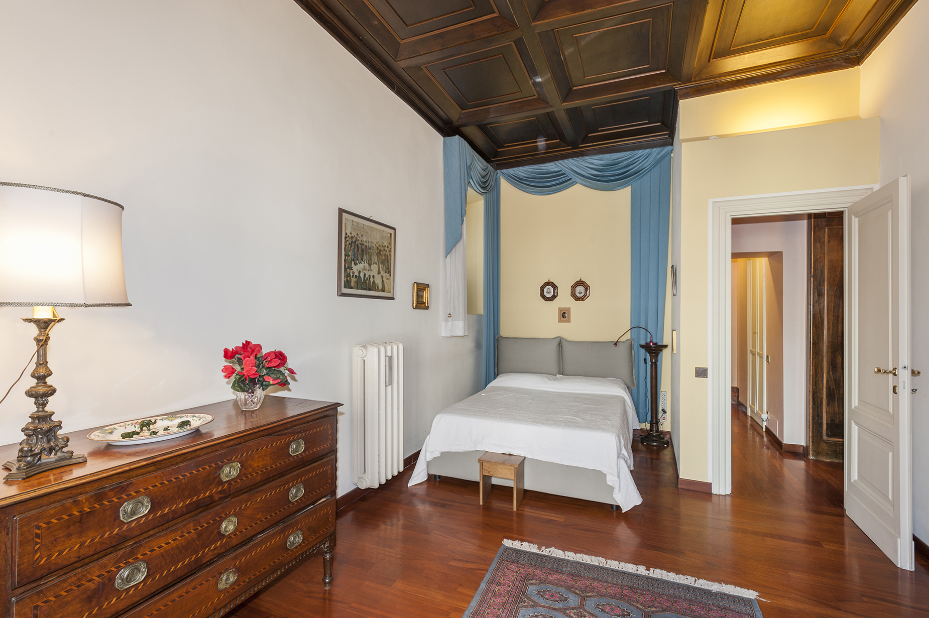 Additional photo for property listing at Charming apartment in the heart of Rome Rome, Rome Italy