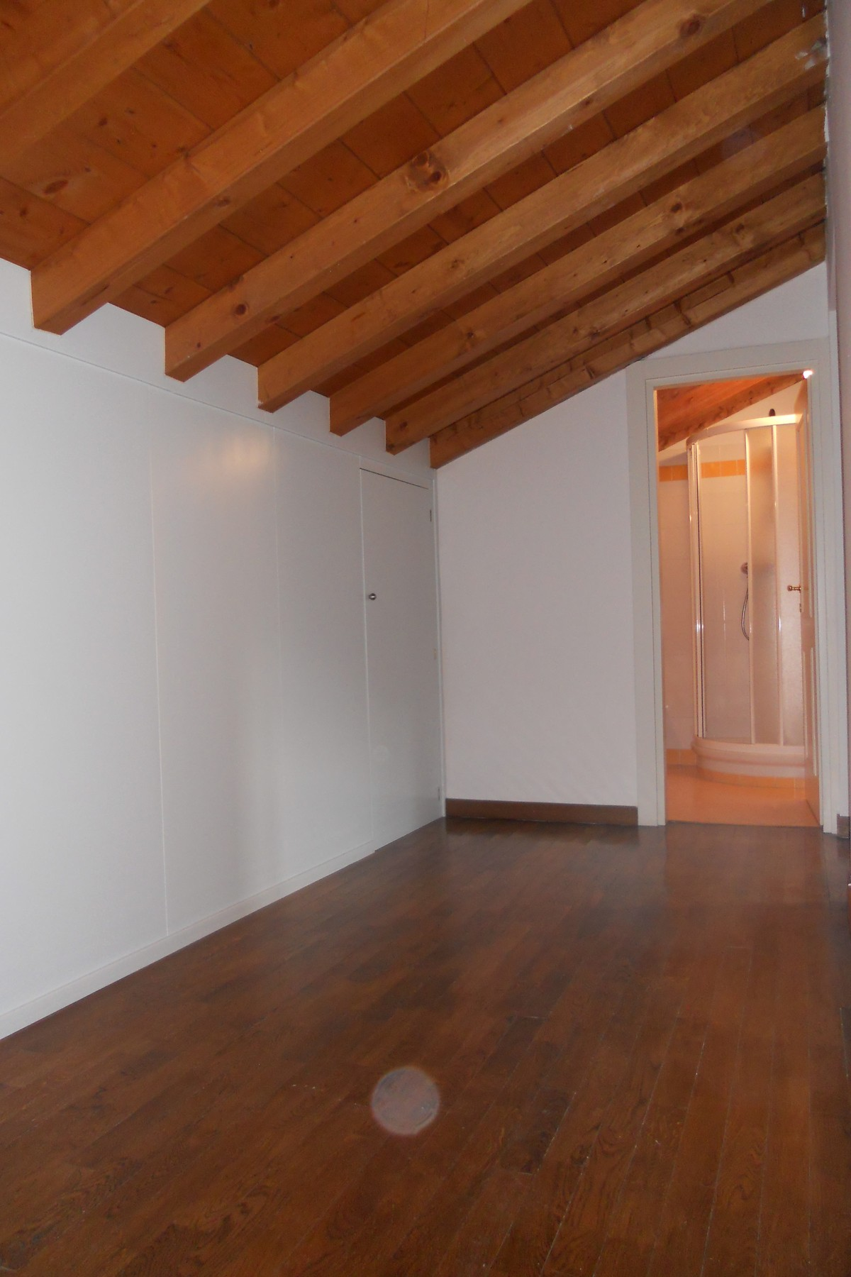 Additional photo for property listing at Prestigious apartment in via Vittorio Emanuele in Como  Como, Como 22100 Italia