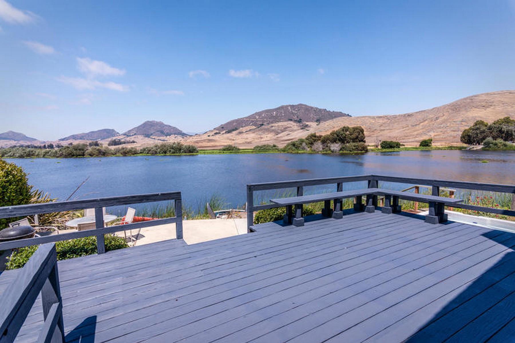 Maison unifamiliale pour l Vente à Laguna Lake Home 1320 Oceanaire Dr. San Luis Obispo, Californie 93405 États-Unis