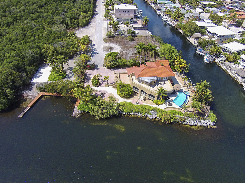 Villa per Vendita alle ore Premier Estate Location 68 S Andros Road Key Largo, Florida 33037 Stati Uniti
